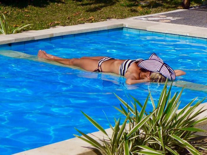 silvia-pool-rest